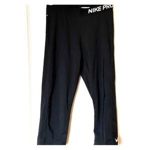 Nike Pro Dri-Fit Capri Leggings Black S EUC